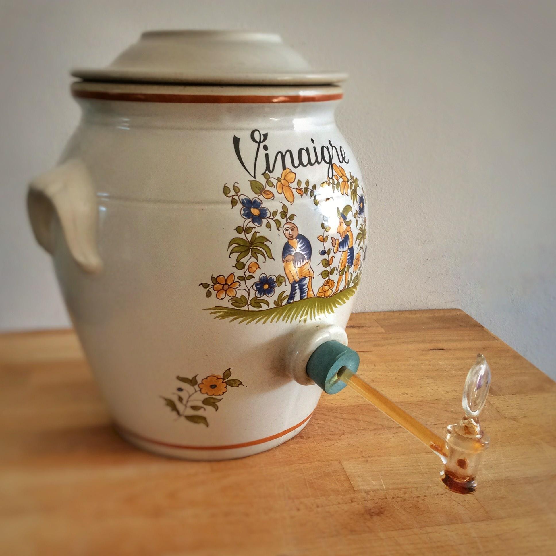 Vinaigre de cidre fait maison diy vegan au quotidien - Comment faire du vinaigre de cidre ...