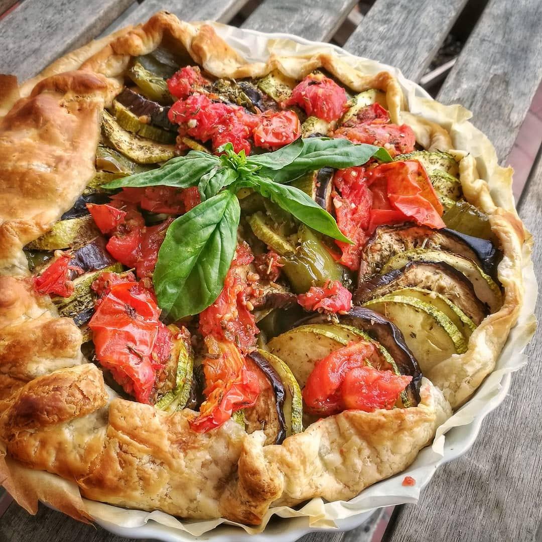 Tarte vegan façon tian aux légumes d'été - Recette facile | Vegan freestyle