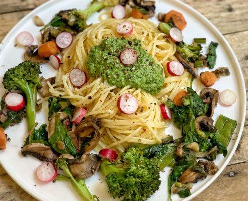 spaghetti pesto radis